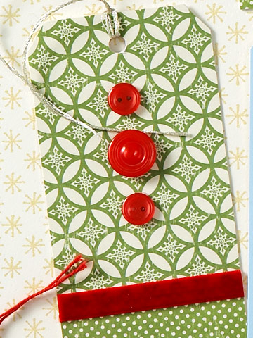 Buttons-and-Ribbon-Xmas-Gift-Tag